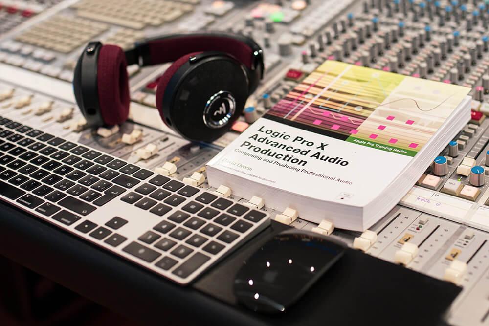 immagine corsi di produzione musicale e mixaggio