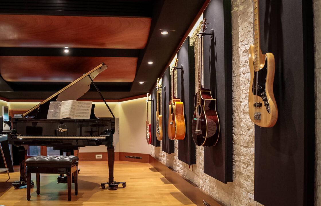 strumenti-musicali-registrazione-studio-disponibili