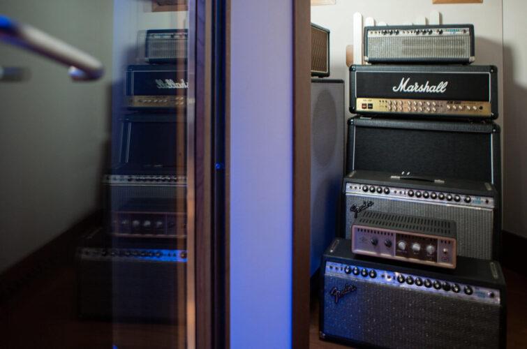Marshall-amplifiers-Fender-vox