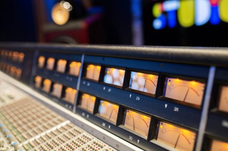 VU-meter-SSL-console