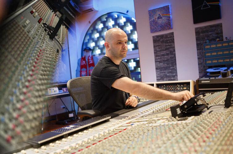 Corrado Molon al lavoro in Kalimba Studio