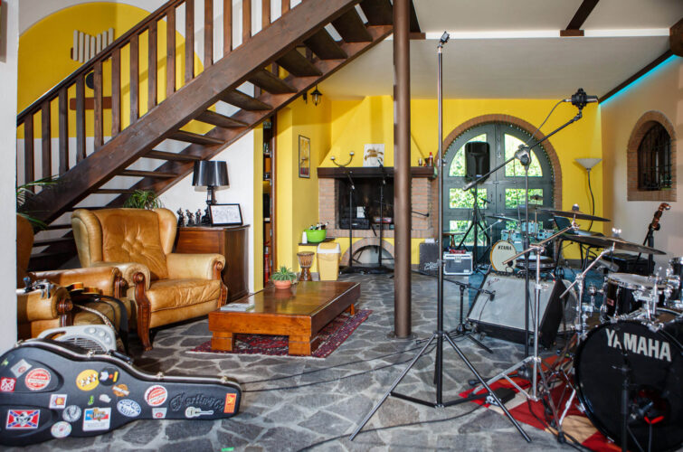 live-room-drums-recording